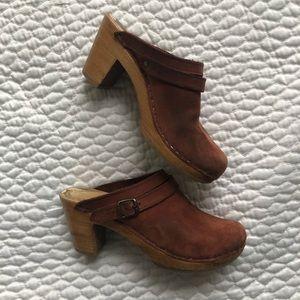 No. 6 High Heel Clogs